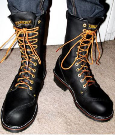6f79b3093d It has the laces crisscrossing each other on their way to the top eyelets.