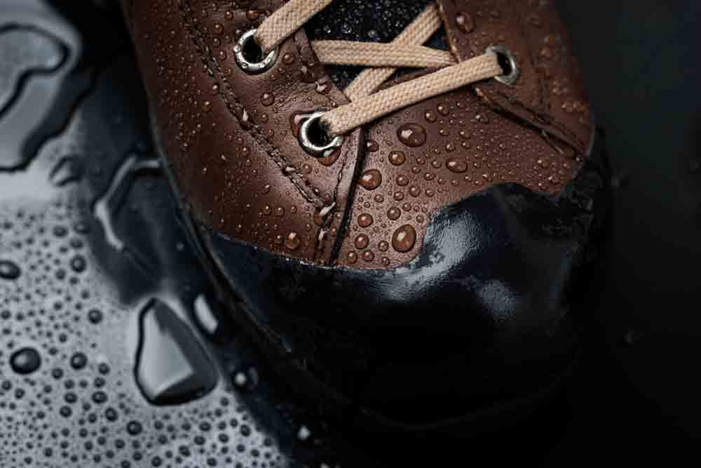 waterproofing-leather-boots