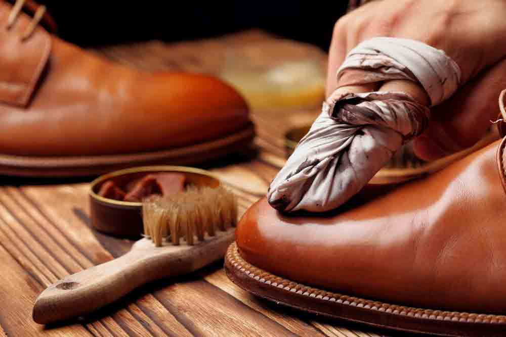 how to polish leather boots