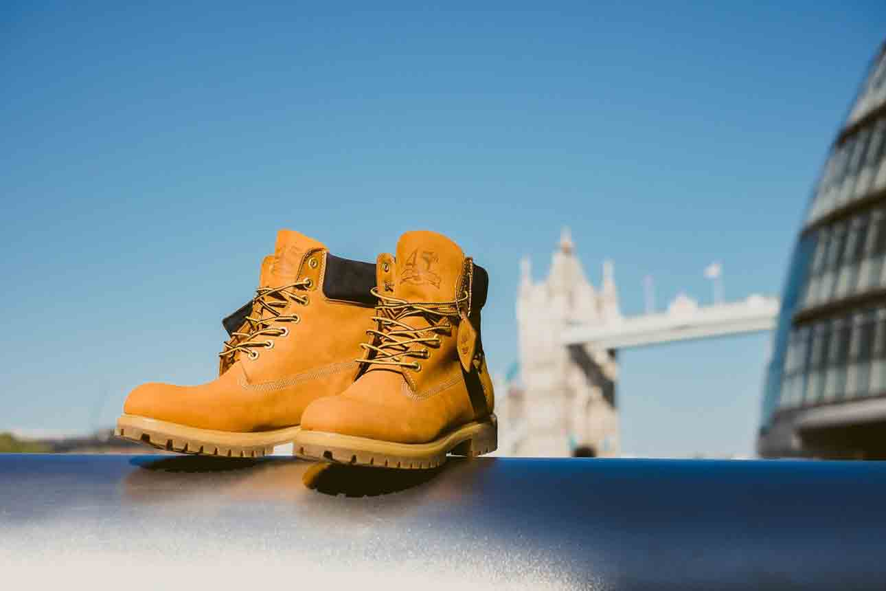 safety boots for warehouse work