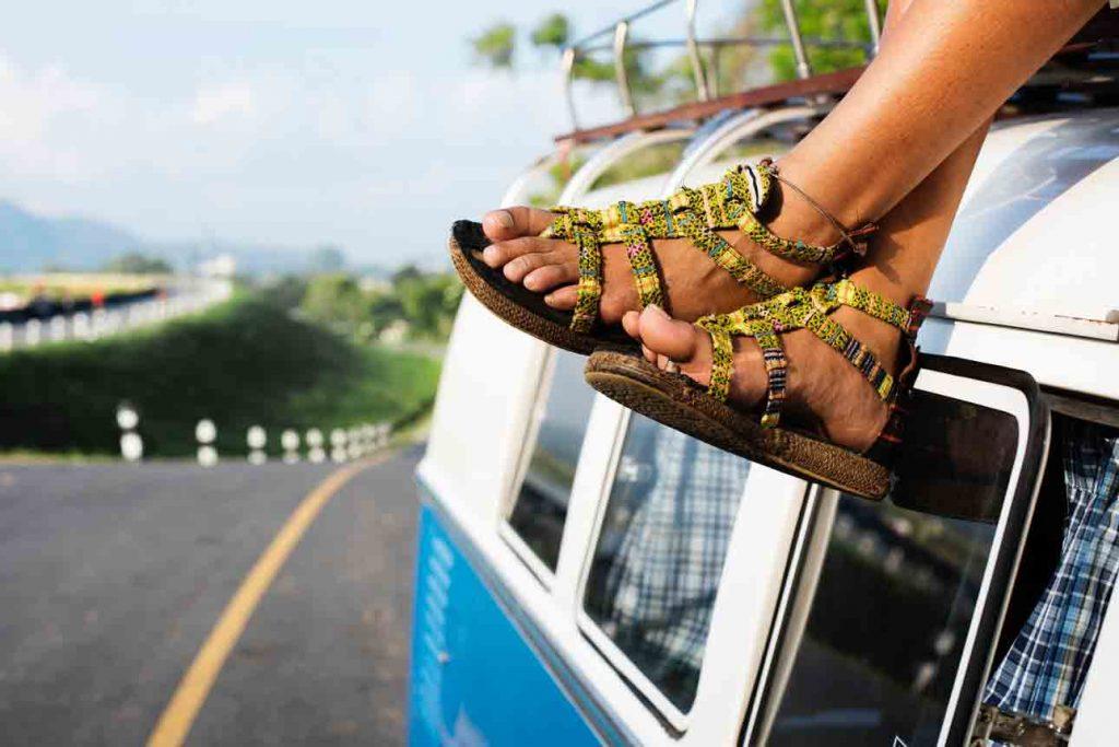 how should sandals fit