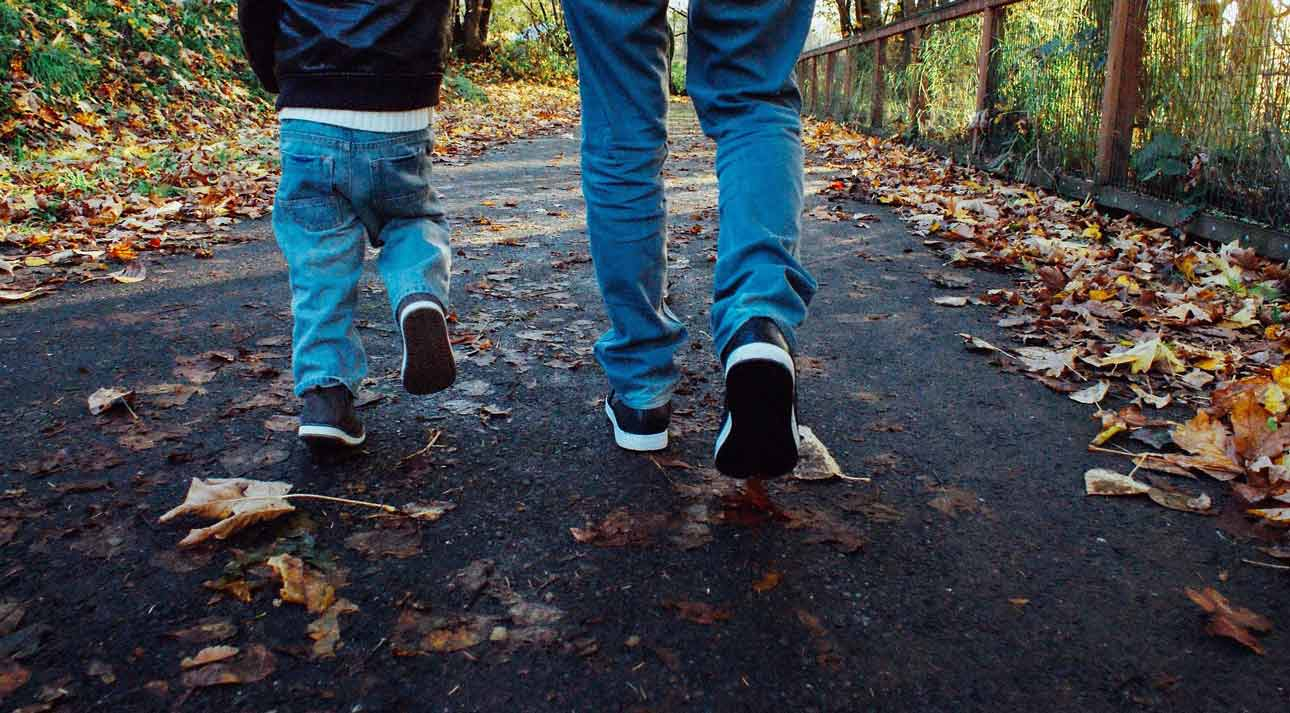 What to Look for in the Best Walking Shoes for Wide Feet