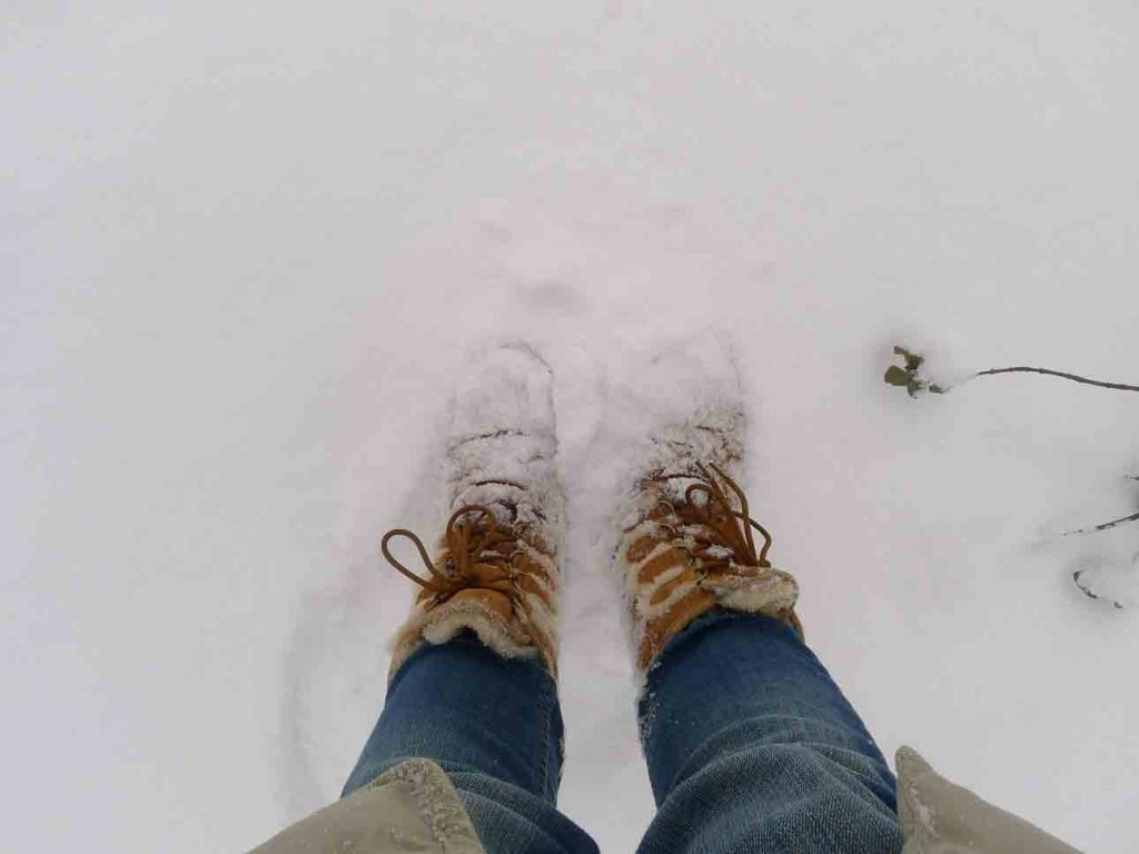 can you wear uggs in the snow