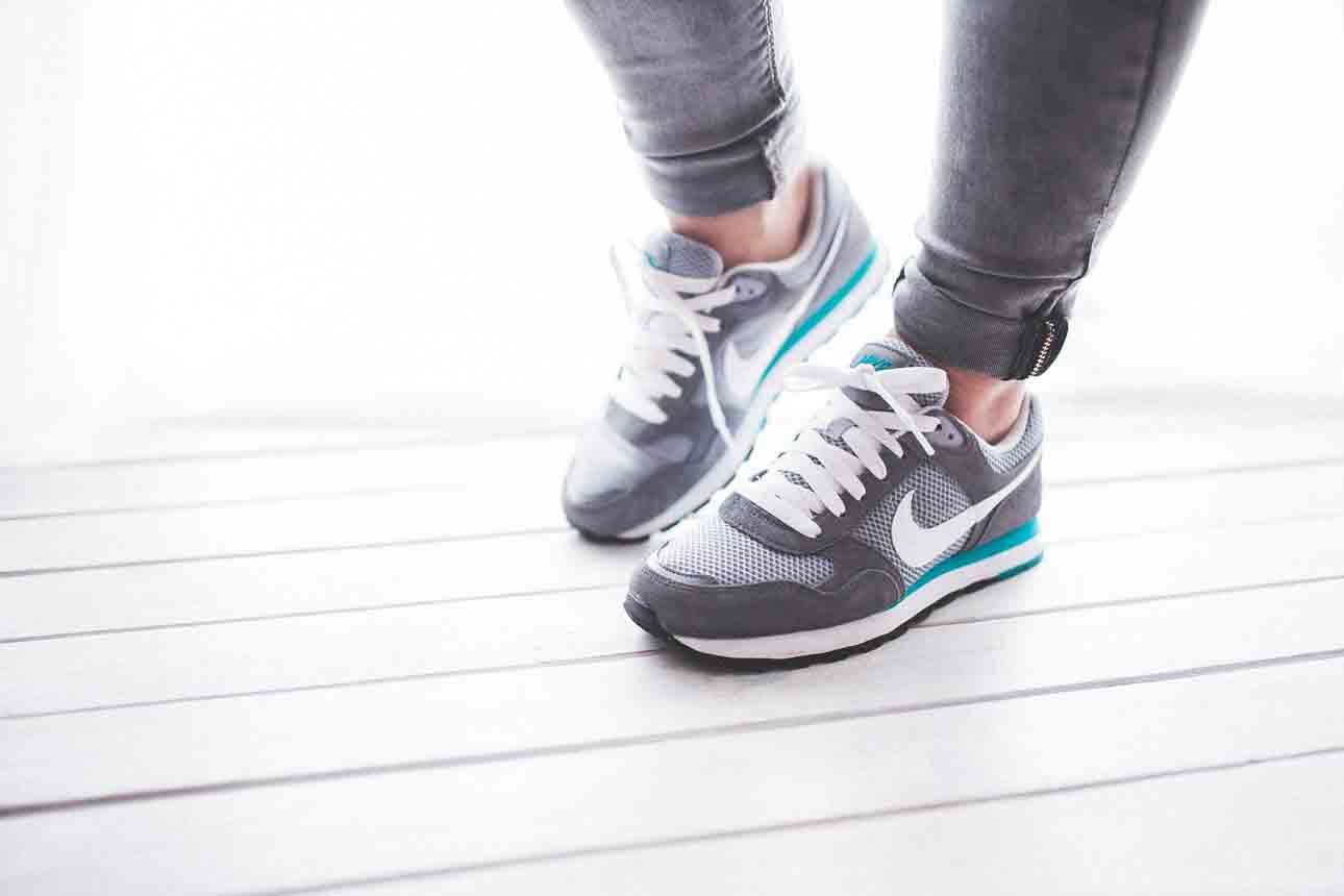 things to look for the Best Walking Shoes for Back Pain