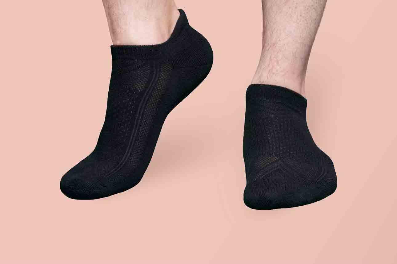 Advantages of Moisture-Wicking Socks