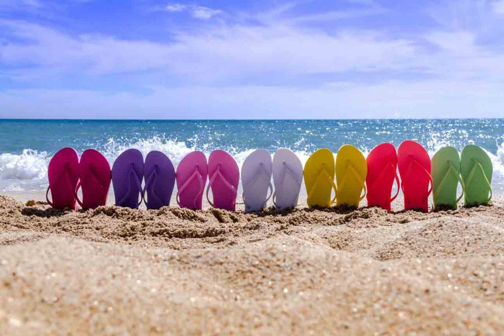 Features of Flip Flops for Wide Feet